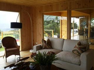 Taller de Ensamble SAS Modern living room Wood Wood effect