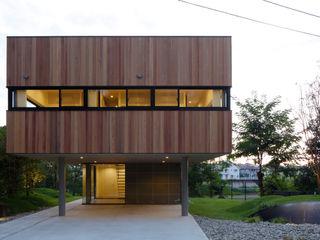 株式会社CAPD Ausgefallene Häuser Holz