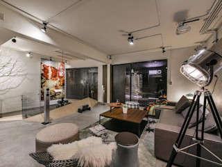 Luova 創研俬.集 Living room Reinforced concrete White