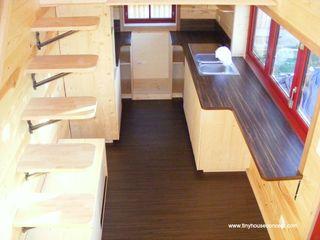 Tiny House Concept - Micro maison sédentaire et déplacable TINY HOUSE CONCEPT - BERARD FREDERIC Cuisine minimaliste