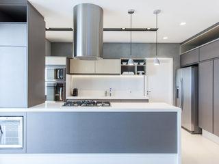 Rosana Pintor Arquitetura e Interiores Modern Kitchen