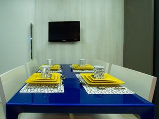 Cris Nunes Arquiteta KücheTische und Sitzmöbel