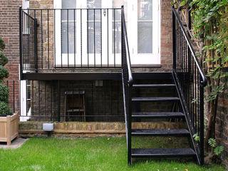 Bahçe Merdiveni REYTAŞ DEMİR ÇELİK FERFORJE Koridor, Hol & MerdivenlerMerdivenler Demir/Çelik Bej