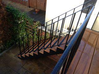Bahçe Merdiveni REYTAŞ DEMİR ÇELİK FERFORJE Koridor, Hol & MerdivenlerMerdivenler Demir/Çelik Şeffaf