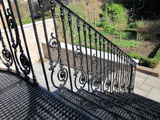 Bahçe Merdiveni REYTAŞ DEMİR ÇELİK FERFORJE Koridor, Hol & MerdivenlerMerdivenler Demir/Çelik Mor