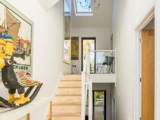 Glebe Wood House, North Devon Trewin Design Architects Couloir, entrée, escaliers modernes