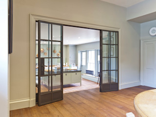 Multiple Bronze Screens with plain and mirrored glazing Architectural Bronze Ltd 窗戶與門窗戶 銅/青銅/黃銅 Brown
