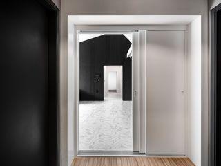 STARSIS 現代風玄關、走廊與階梯 大理石 White