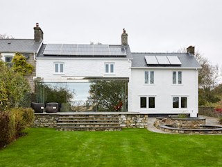 Welsh Wonder - Country Home with various structural glass interventions Trombe Ltd Кухня в стиле модерн