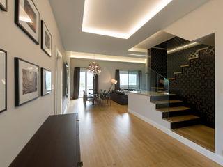 Vemworks llc Koridor & Tangga Modern Kayu White