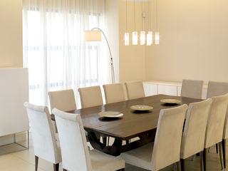 Renovations and new builds Deborah Garth Interior Design International (Pty)Ltd Minimalist dining room