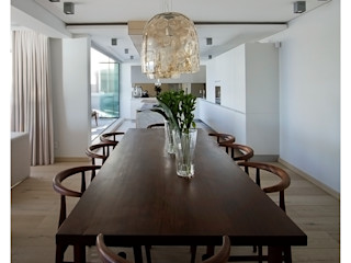 Costa Brava Make Architects + Interior Studio Modern dining room