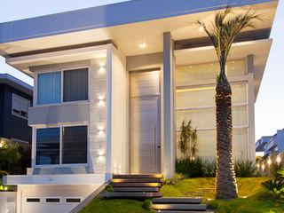 ANDRÉ PACHECO ARQUITETURA Rumah Modern