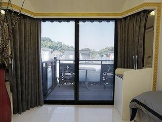 築地岩移動宅 Asian style living room Quartz White