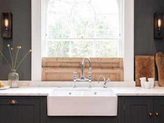 The Bloomsbury WC1 Kitchen by deVOL deVOL Kitchens Кухня Сірий