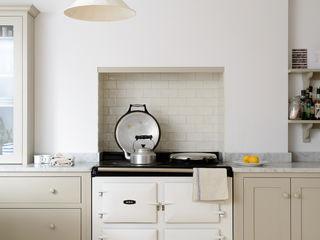 The Brighton Kitchen by deVOL deVOL Kitchens Кухня Білий