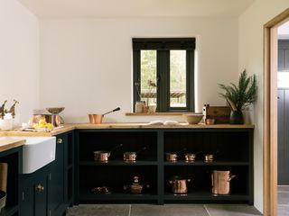 The Leicestershire Kitchen in the Woods by deVOL deVOL Kitchens Кухня Синій