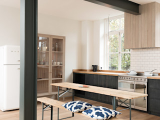 The Clerkenwell Apartment by deVOL deVOL Kitchens Кухня Синій