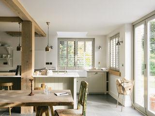 The Henley on Thames Kitchen by deVOL deVOL Kitchens Кухня Сірий