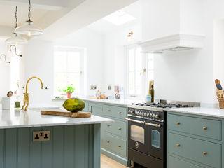 The Trinity Blue Kitchen by deVOL deVOL Kitchens Кухня Синій