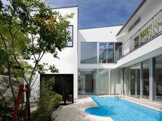 「水と光のある暮らし」吉祥寺のプールハウス TAMAI ATELIER モダンな 家