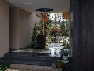 澤村昌彦建築設計事務所 Asian corridor, hallway & stairs