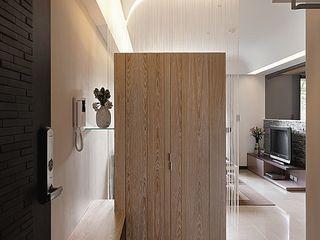 禾光室內裝修設計 ─ Her Guang Design Modern Corridor, Hallway and Staircase Wood