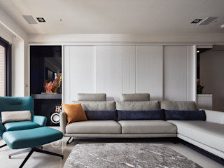 簡約風新居落成 機能X美感的亮麗演出 合觀設計 现代客厅設計點子、靈感 & 圖片