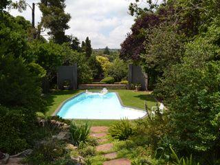 AOJ | Architecture & Interiors Classic style pool