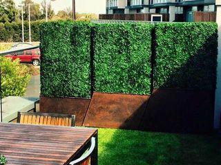 Artificial Garden Screen & Green Wall Covering Sunwing Industries Ltd Terrace house Plastic Green