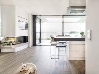 Burckhardt Metall Glas GmbH Modern kitchen