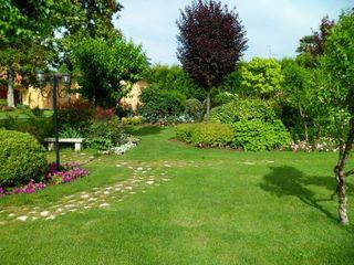 Progettazione, realizzazione e manutenzione del giardino Quartiere Fiorito Giardino moderno Verde