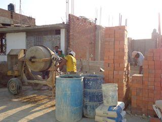 CN y Arquitectos Commercial Spaces Bricks