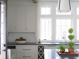 Christopher Architecture & Interiors Country style kitchen