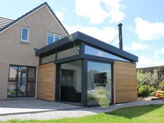 Contemporary house extension - Scotland Dab Den Ltd Modern Living Room
