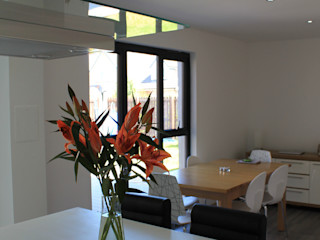 Contemporary house extension - Scotland Dab Den Ltd Modern Kitchen