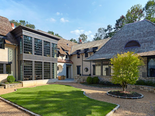 Christopher Architecture & Interiors Classic style houses