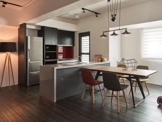 訂製溫暖工業宅,成就單身男子的自在空間 合觀設計 廚房