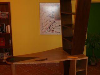 Gli Artigiani dei f.lli M.& S. Cordi snc Study/officeDesks Wood Multicolored