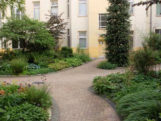 Büro Christian Meyer Jardines de estilo moderno