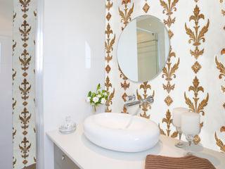 Elalux Tile 地中海スタイルの お風呂・バスルーム 大理石 白色