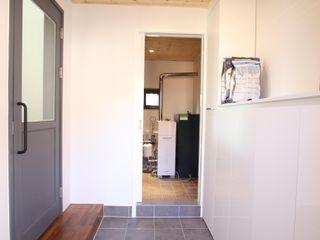 위드하임 Withheim 現代風玄關、走廊與階梯 磁磚 Grey