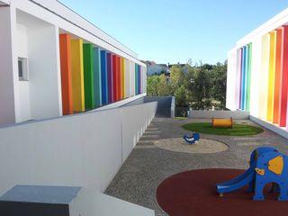 Oficina de Conceitos Modern Walls and Floors Granite Multicolored