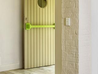 House renovations Deborah Garth Interior Design International (Pty)Ltd Minimal style window and door
