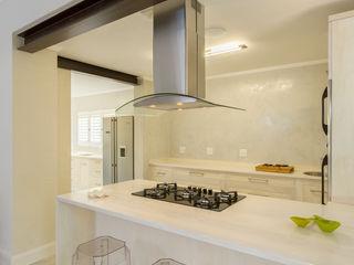 House renovations Deborah Garth Interior Design International (Pty)Ltd Kitchen