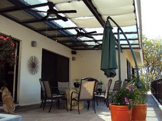 Base-Arquitectura Modern balcony, veranda & terrace