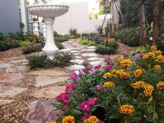 Dear_landscape Rustic style garden Glass Beige