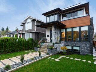 Alice D'Andrea Design Modern houses
