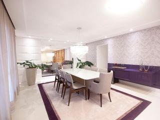 Haus Brasil Arquitetura e Interiores Eclectic style dining room MDF Purple/Violet
