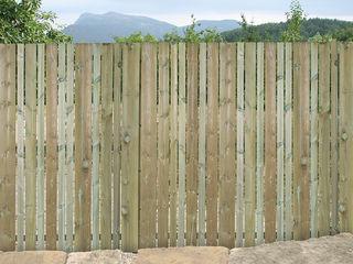 Braun & Würfele - Holz im Garten Minimalist style garden Wood